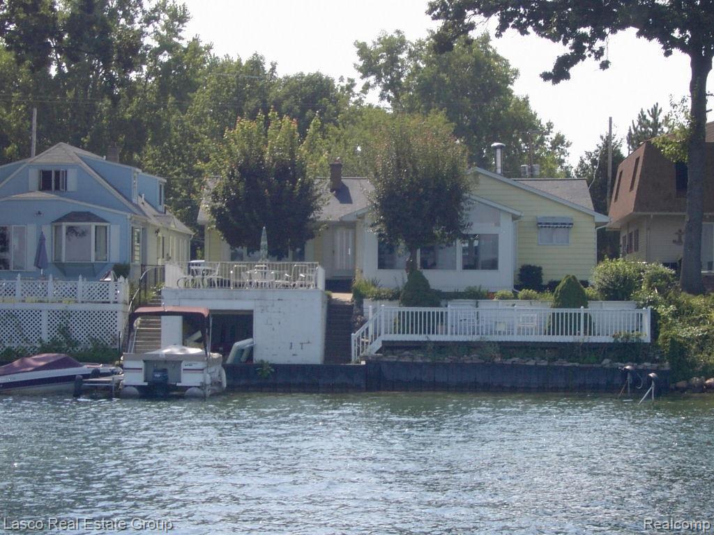 13247 Lake Shore Dr